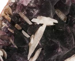 paarse fluoriet met calciet