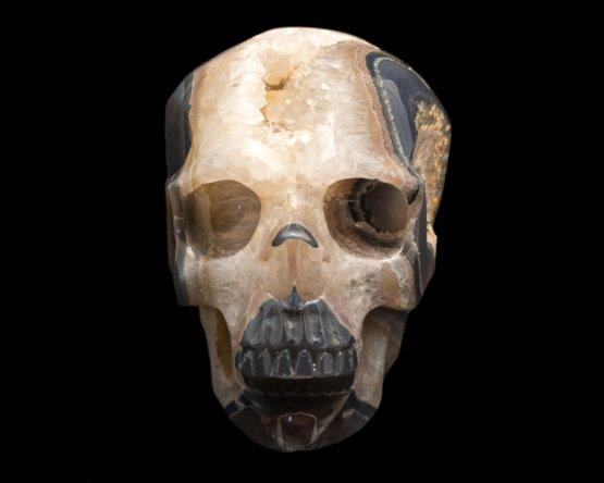 Flint chalcedoon met geode schedel
